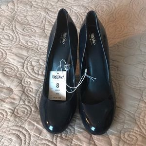 New Navy heels